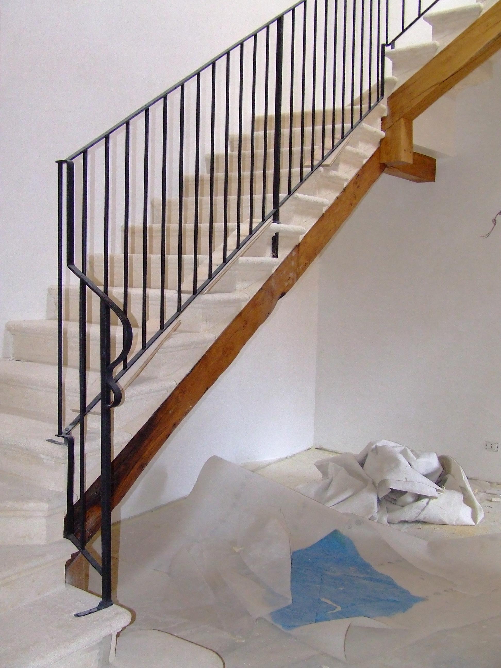 Foto ringhiere in ferro per recinzioni in sasso - Immagini di scale ...