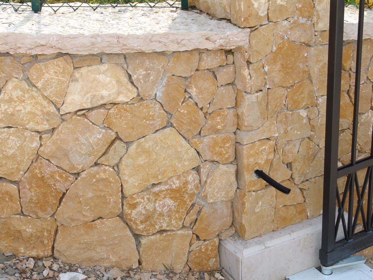 Piastrelle effetto pietra per esterno prezzi pavimenti per l