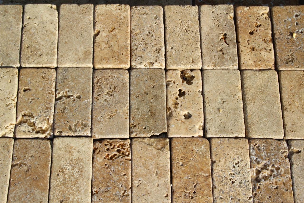 Foto marmette anticate di marmo burattato - Travertino prezzi ...