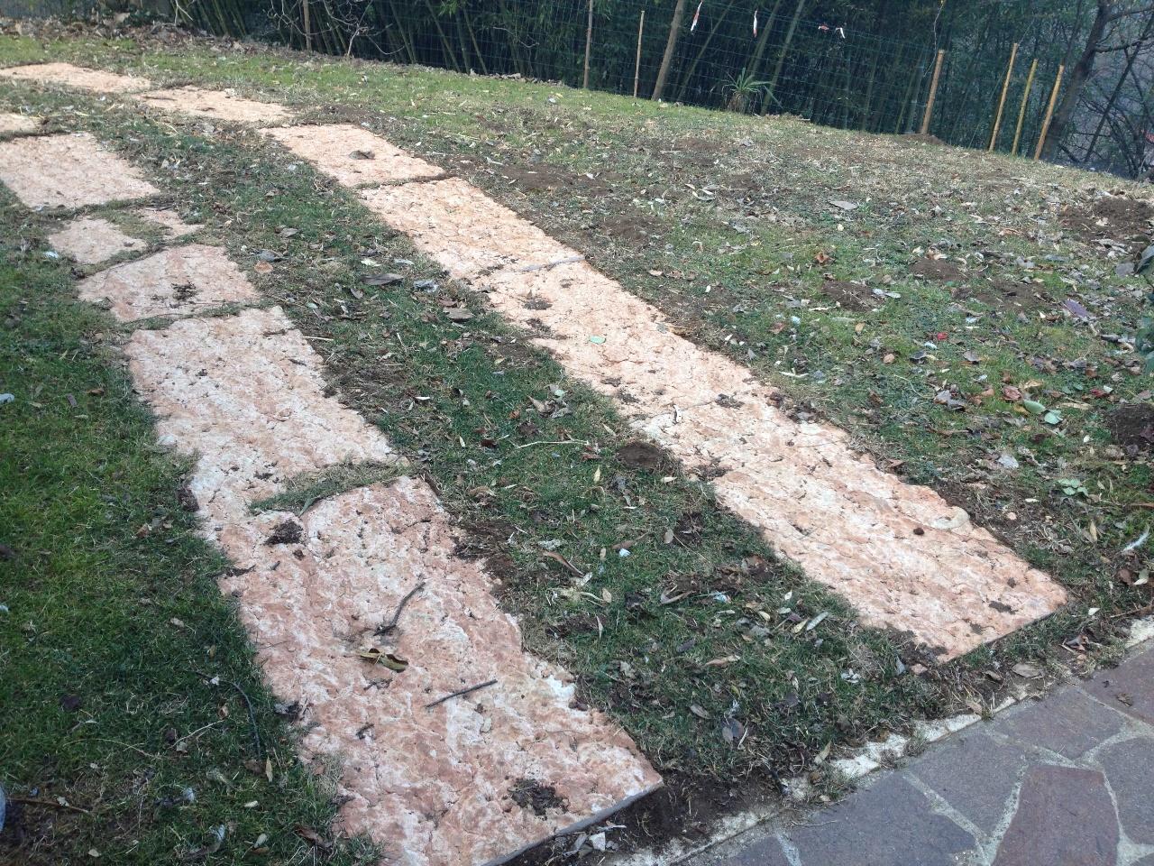 Immagini di pietre per viali o camminamenti esterni da - Camminamento pietra giardino ...