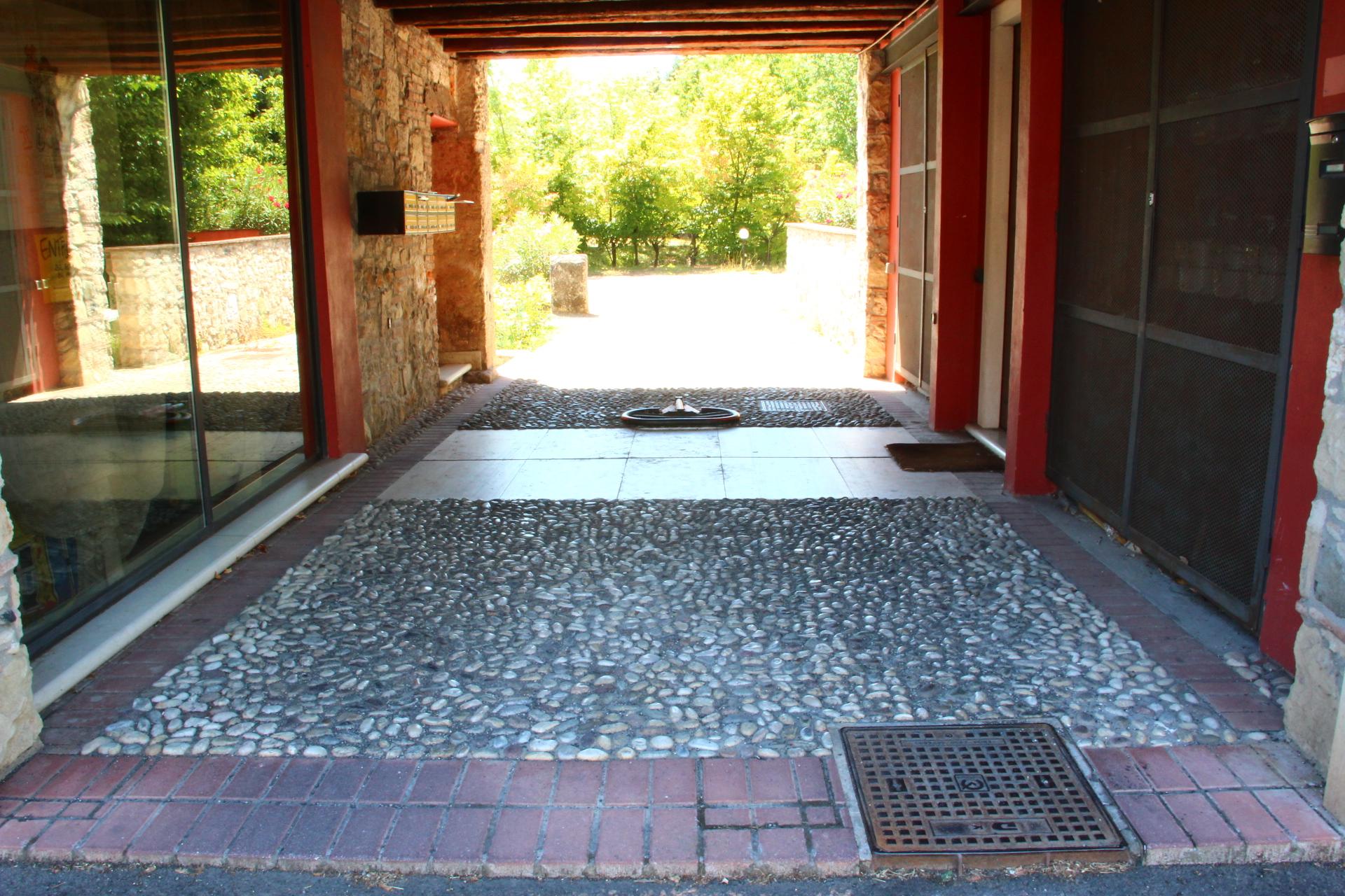 Ciottoli di fiume per pavimenti a buon prezzo for Sassi bianchi per giardino