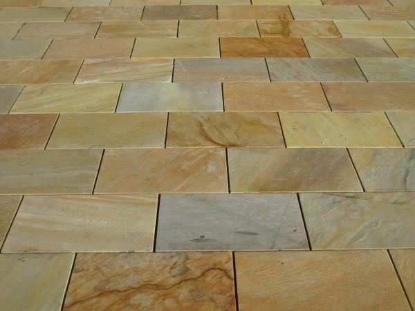 Foto di quarziti resistenti da esterno e interno buon for Pietre da pavimento esterno