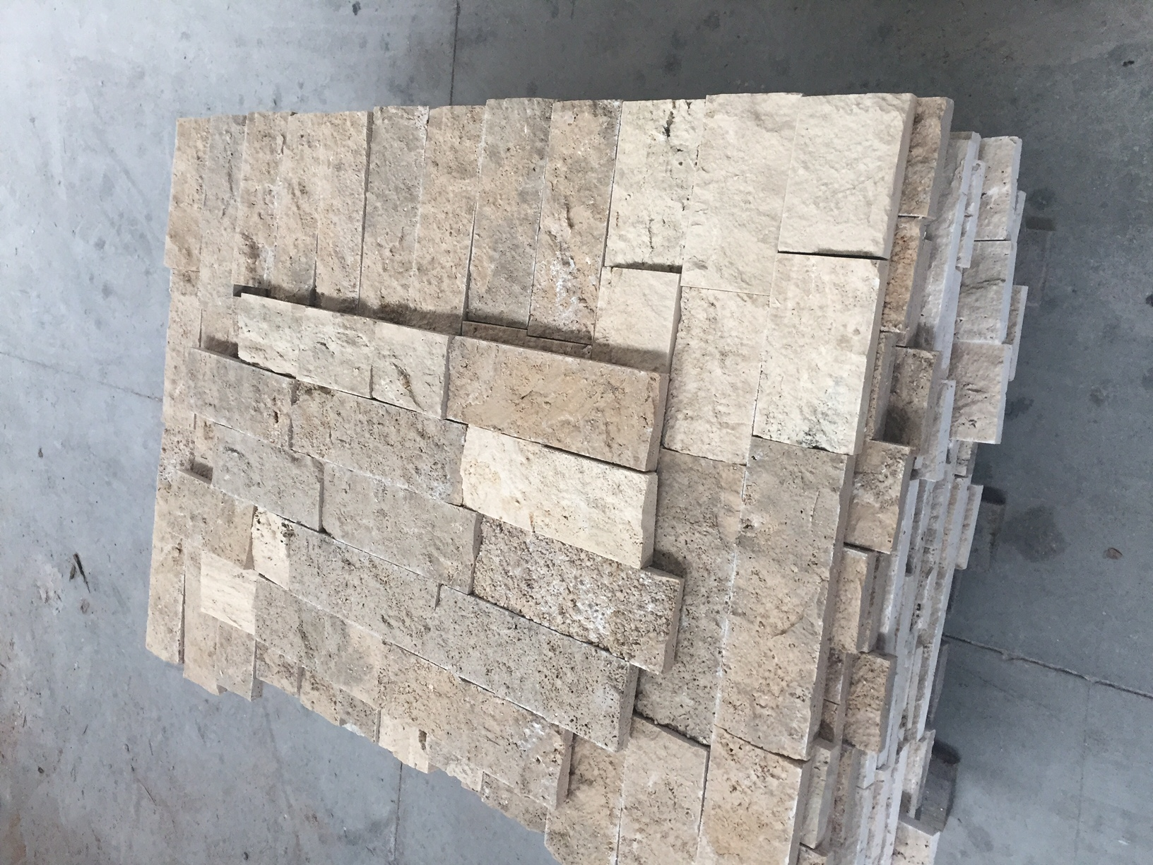 Foto marmo spaccatello a prezzo affare - Travertino prezzi ...