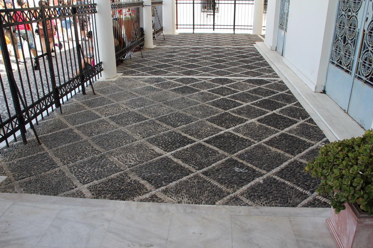 Foto di ciottoli di marmo e di porfido pavimenti in ciottoli - Pavimento in ciottoli esterno ...