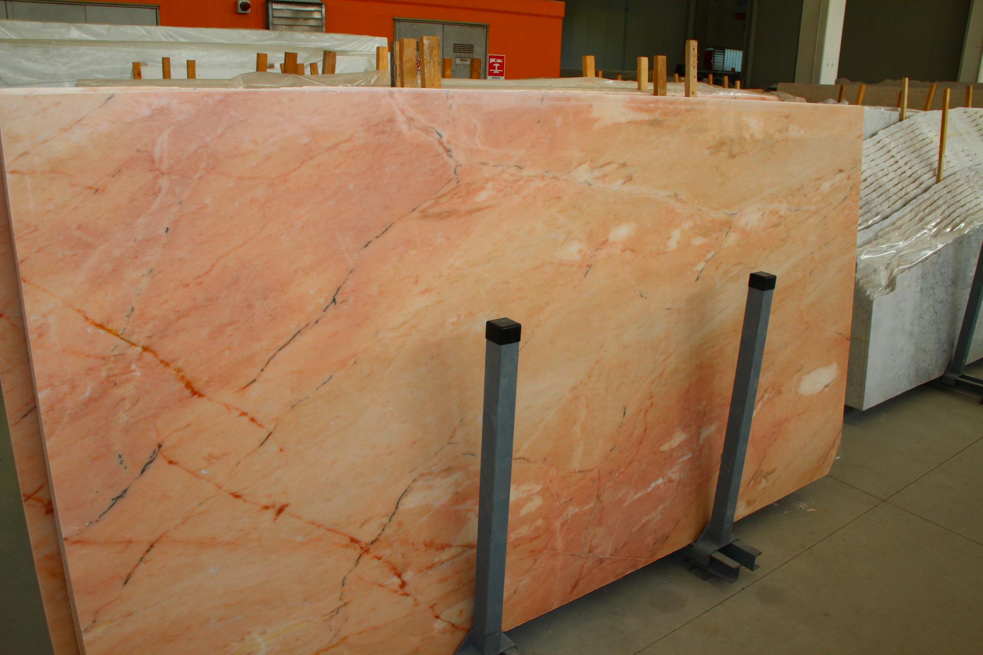 Foto di marmo e pietre di colore rosso con buon prezzo di vendita - Bagno in marmo costo ...