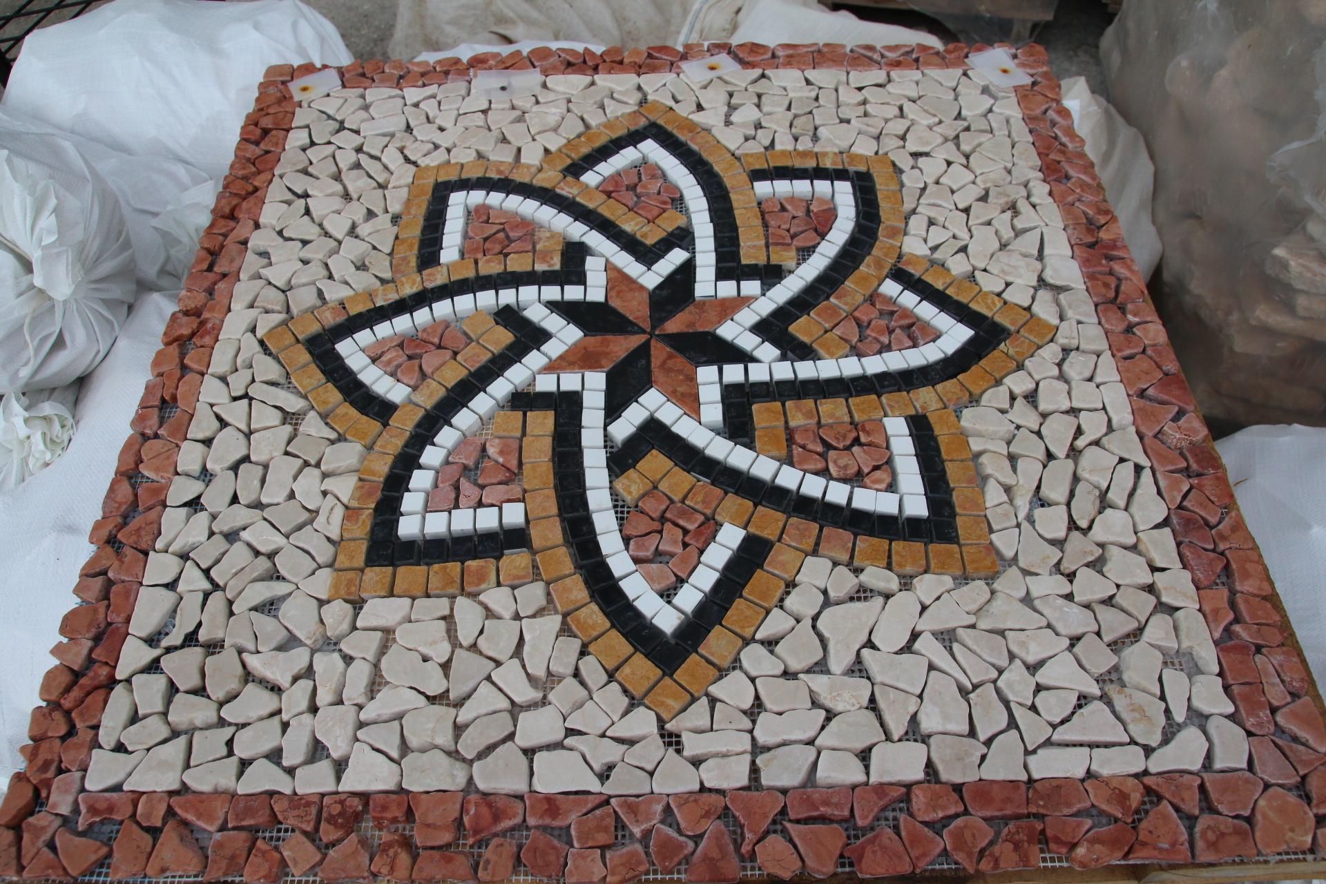 Rosoni in marmo a prezzo di realizzo