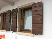 Foto finestre e balconi in pietra e marmo - Soglie in marmo per finestre ...