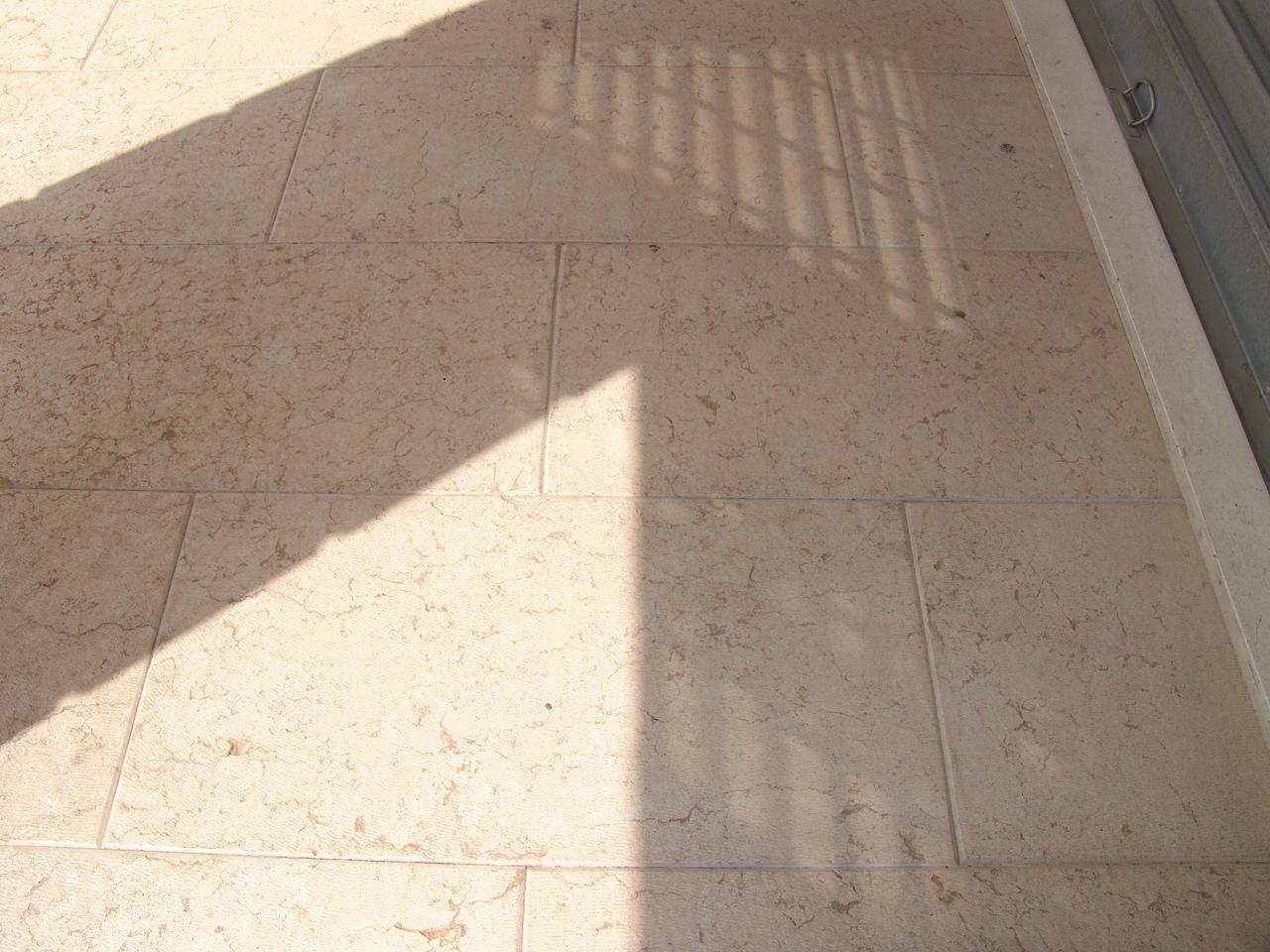 Pietra per pavimenti esterni prezzi stock outlet gres piastrelle