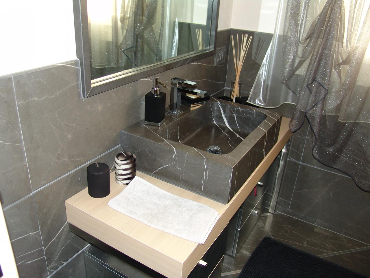 foto di bellissimi bagni in marmo e pietra venduti dalla zem ... - Bagni Moderni Bellissimi