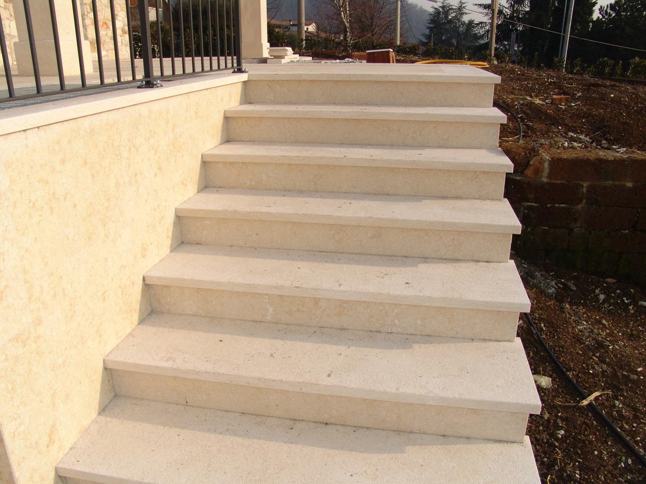 foto bellissime scale di marmo e pietra zem enrico marmi - Pavimento Per Scale Esterne