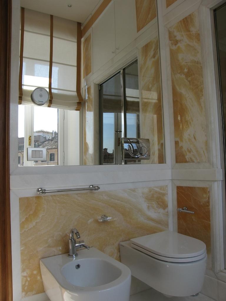 Foto di bellissimi bagni in marmo e pietra venduti dalla zem enrico marmi arzignano - Bagni di lusso moderni ...