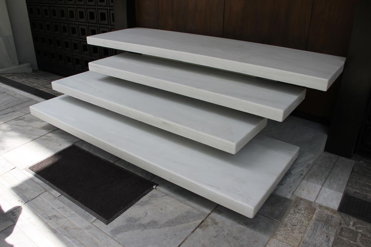 Scale moderne in marmo foto bellissime scale di marmo e - Gradini in marmo per esterno ...