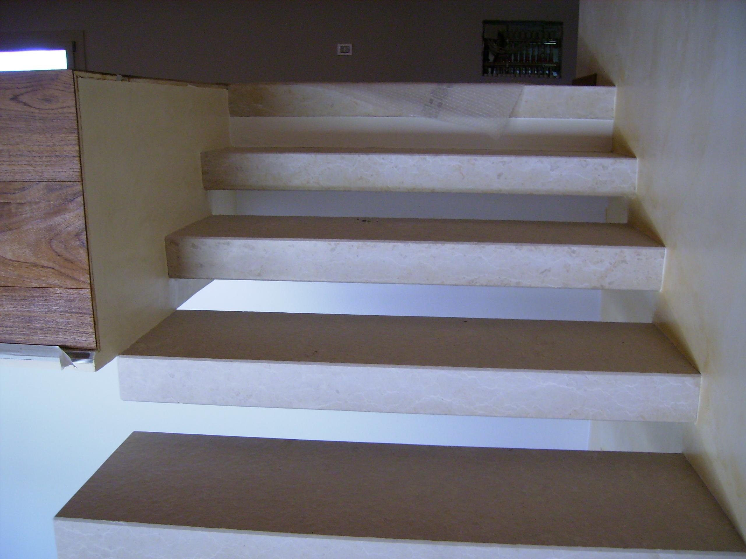 Foto bellissime scale di marmo e pietra zem enrico marmi - Soglie per finestre moderne ...