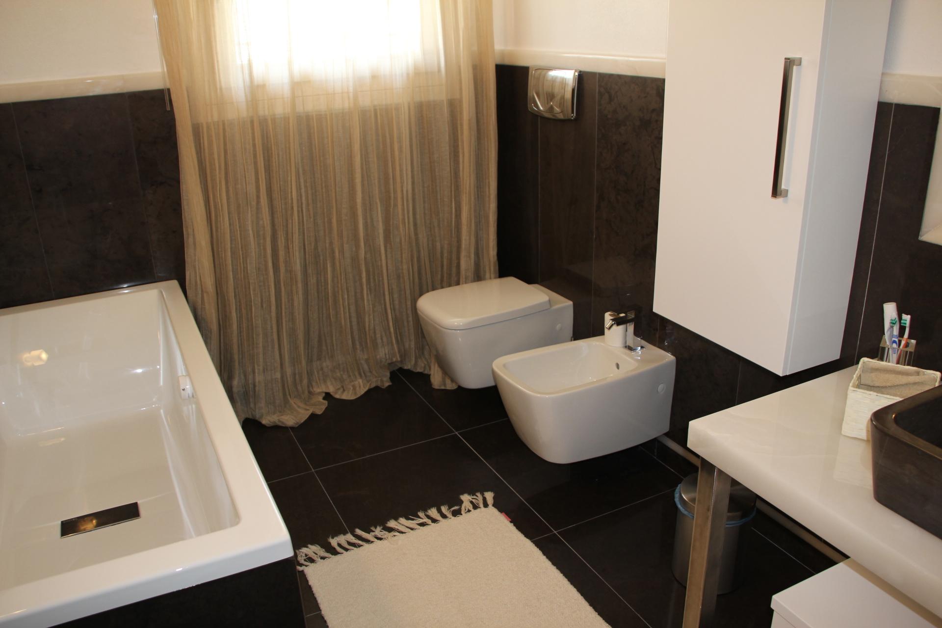 immagini di meravigliosi bagni venduti dalla zem enrico marmi ... - Bagni Lussuosi Moderni