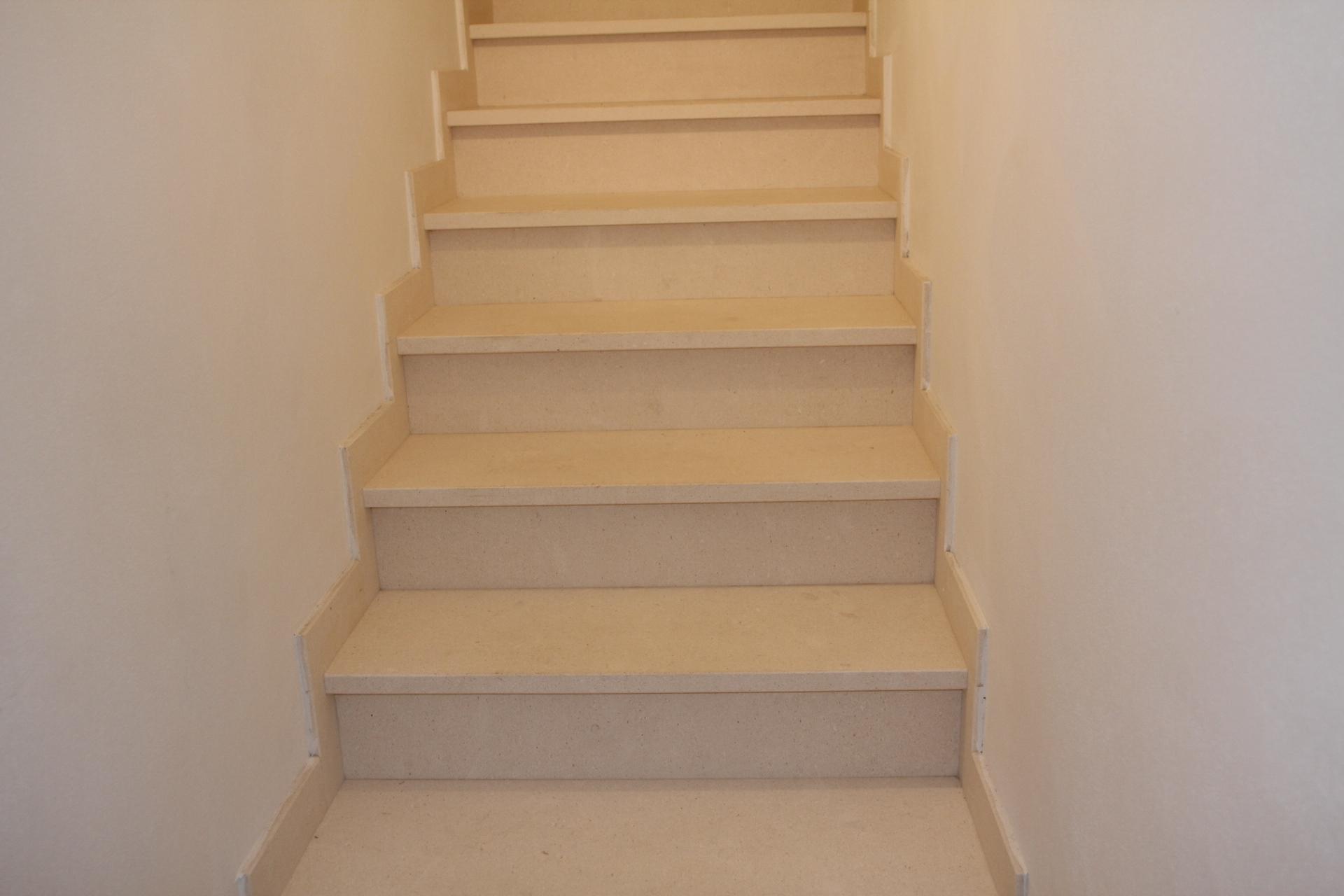 Immagini di bellissime scale di pietra e marmo zem marmi a - Immagini di scale ...