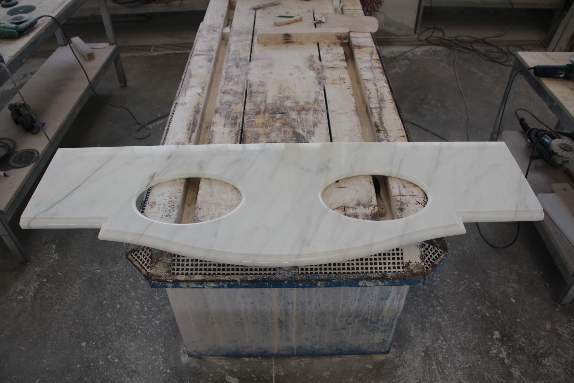 Foto di top da bagno in marmo o pietra - Bagno piano marmo ...