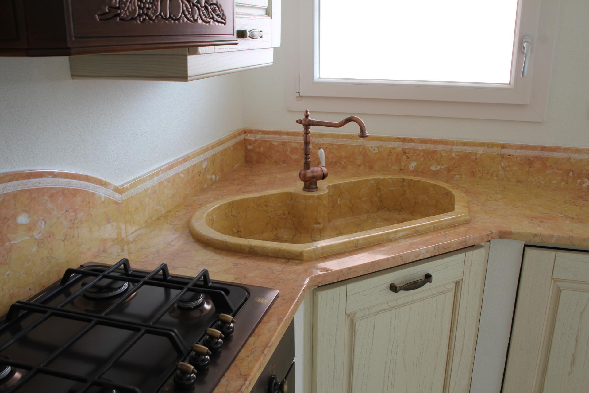 foto piani di cucina in marmo e pietra vendute a prezzi affare - Piani Di Lavoro Cucina Prezzi