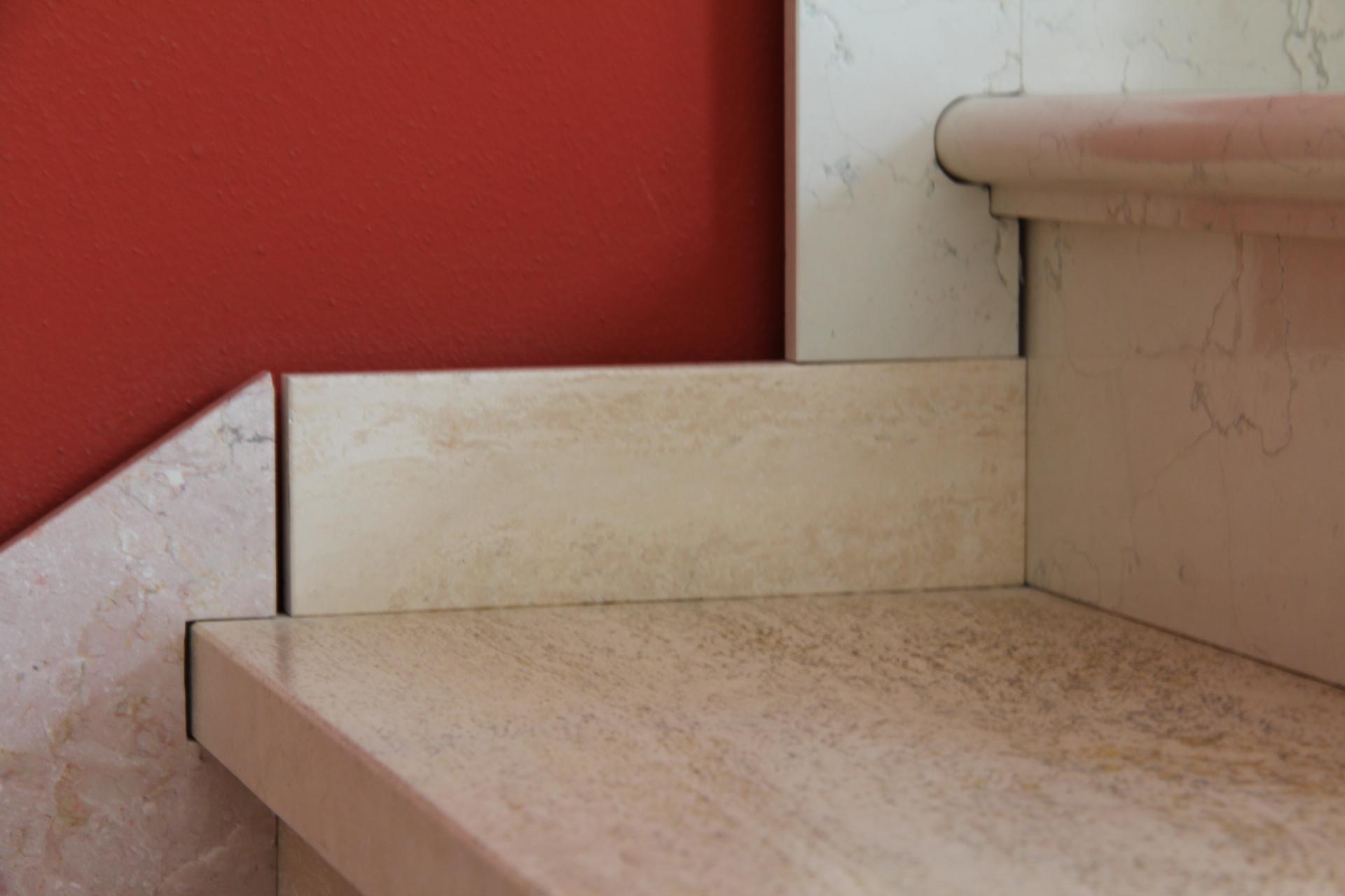 Foto di zoccolini di marmo e pietra con esempi di lavorazione - Gradini in marmo per esterno ...