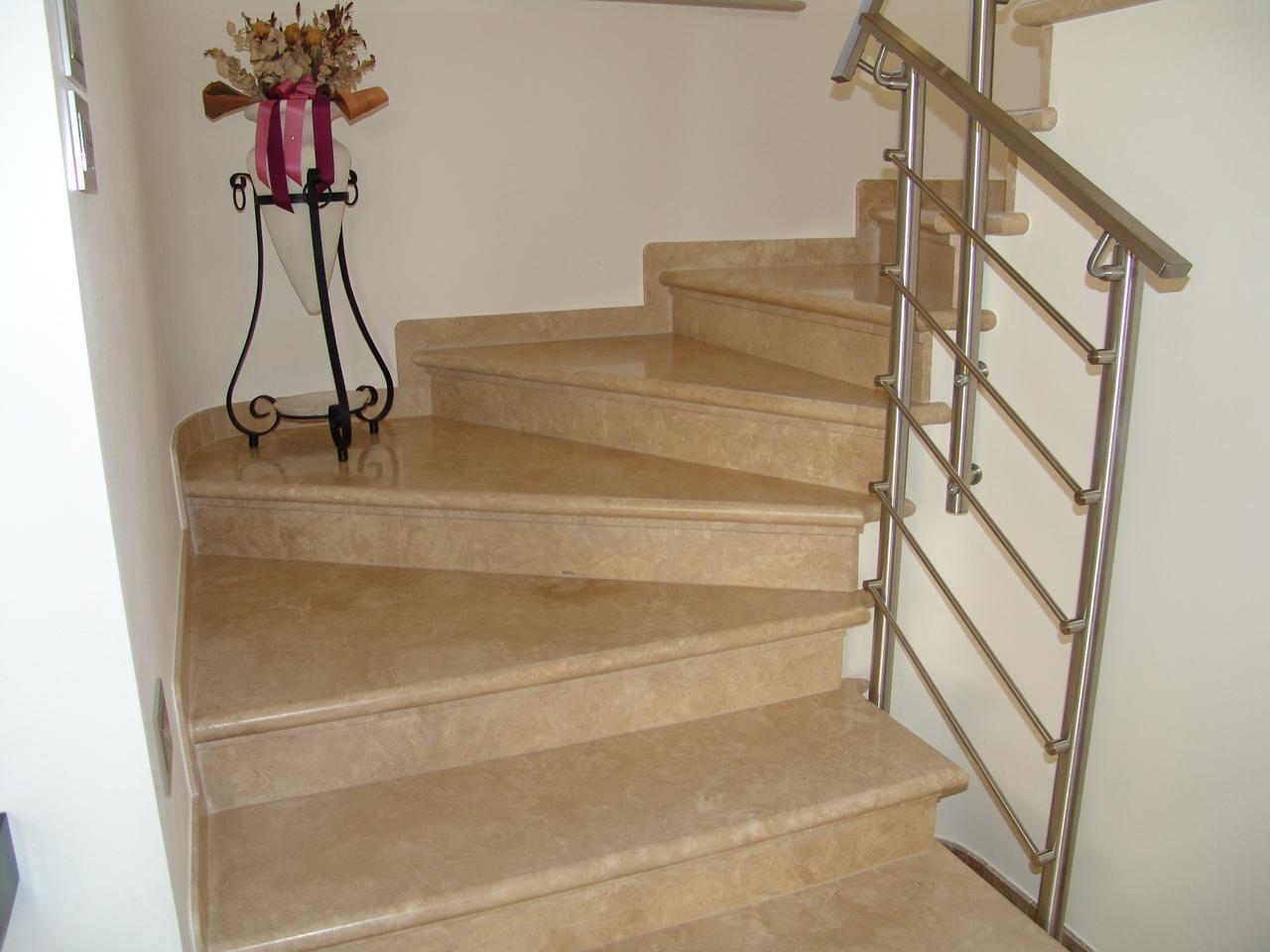 Foto bellissime scale di marmo e pietra zem enrico marmi - Granito per scale ...