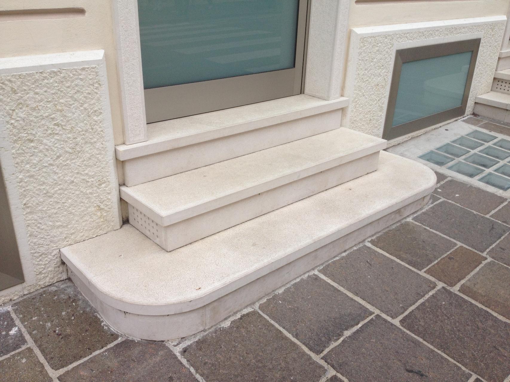 Foto bellissime scale di marmo e pietra zem enrico marmi for Prezzi case asiago