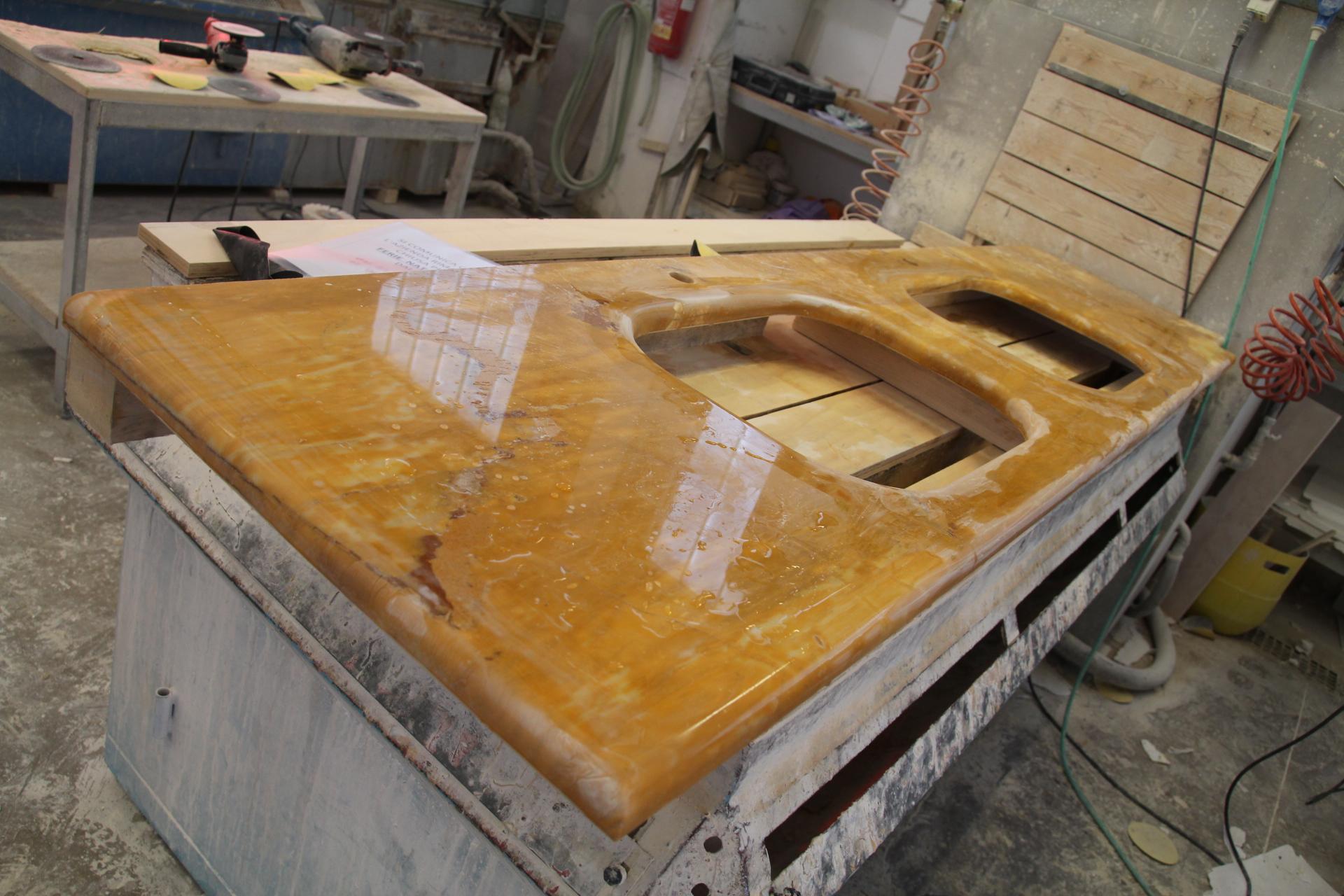Pareti in stile produttori for Produttori mobili classici