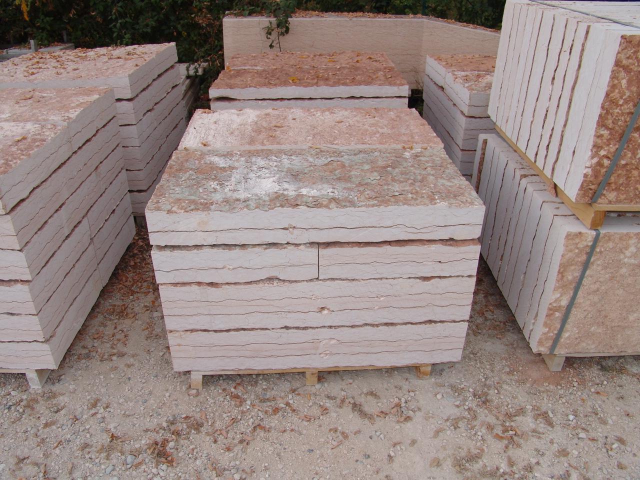 Foto pietra della lessinia o pietra di prun per realizzare - Pietre pavimento giardino ...