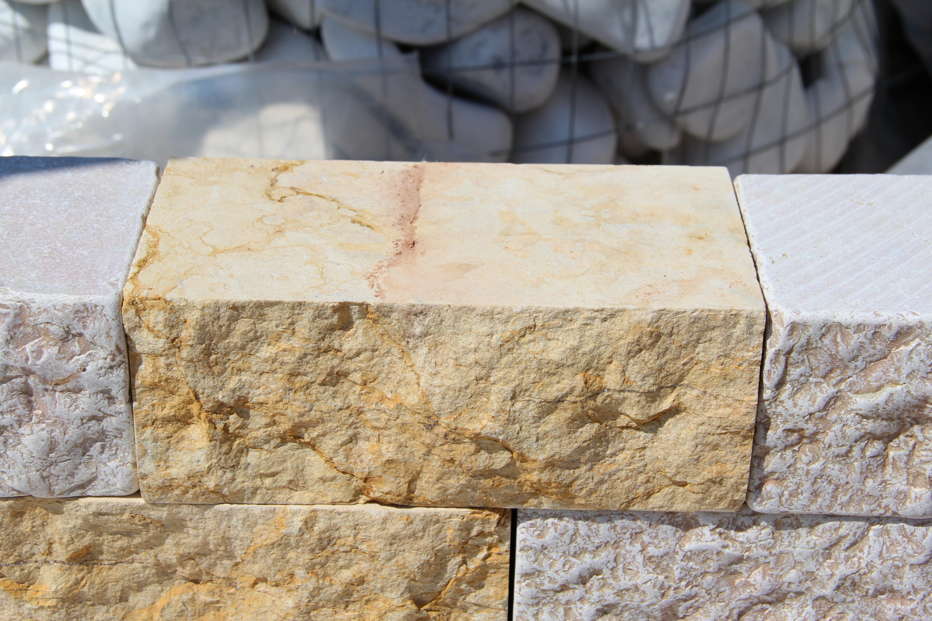 Foto di mattoni in marmo per muri a secco dal buon prezzo - Mattoni da esterno prezzi ...
