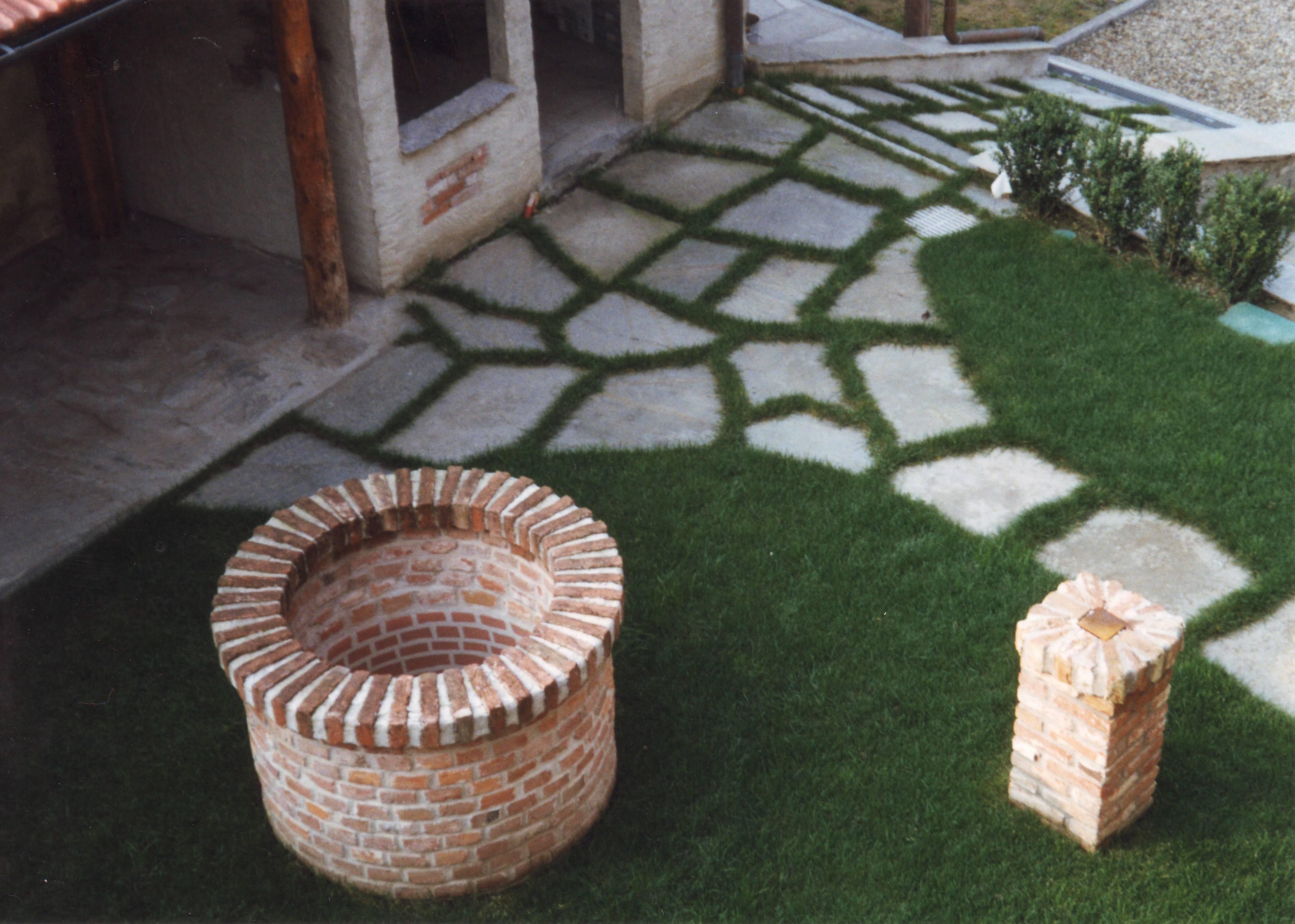 Foto pietra della lessinia o pietra di prun per realizzare - Pietre giardino ...