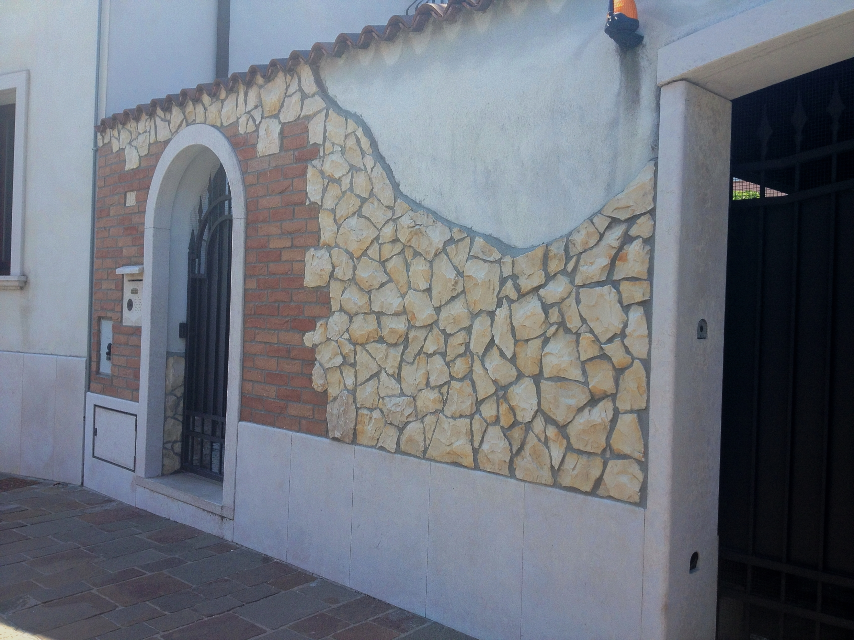 Piastrelle finta pietra esterno pavimenti in pietra per esterni